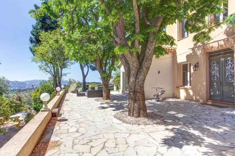 Homki - Vente maison/villa  de 256.59 m² à Marseille 13012