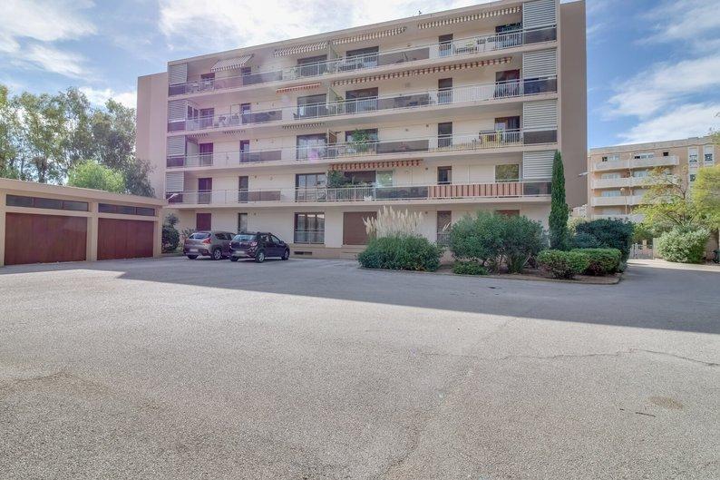 Homki - Vente appartement  de 83.0 m² à hyeres 83400